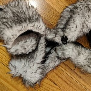 Other - Wolf hat with hand warmers Halloween 🐺